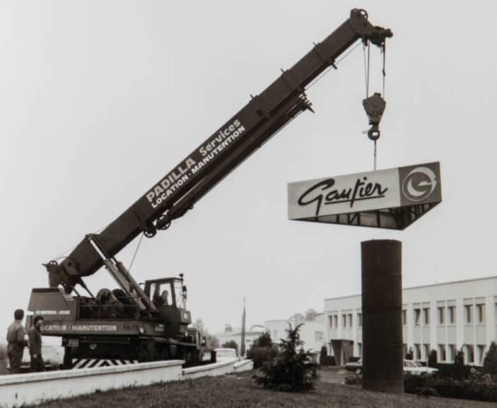Applying the first Gautier logo